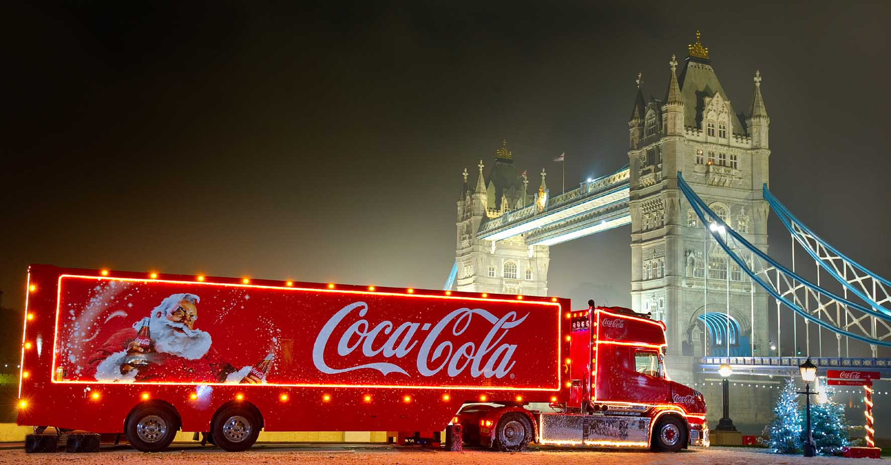 Beautiful Coca Cola Truck Near London Bridge