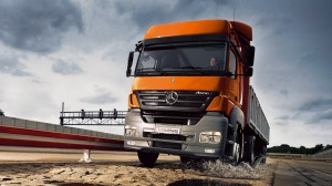download Mercedes Benz Truck Hd Wallpapers