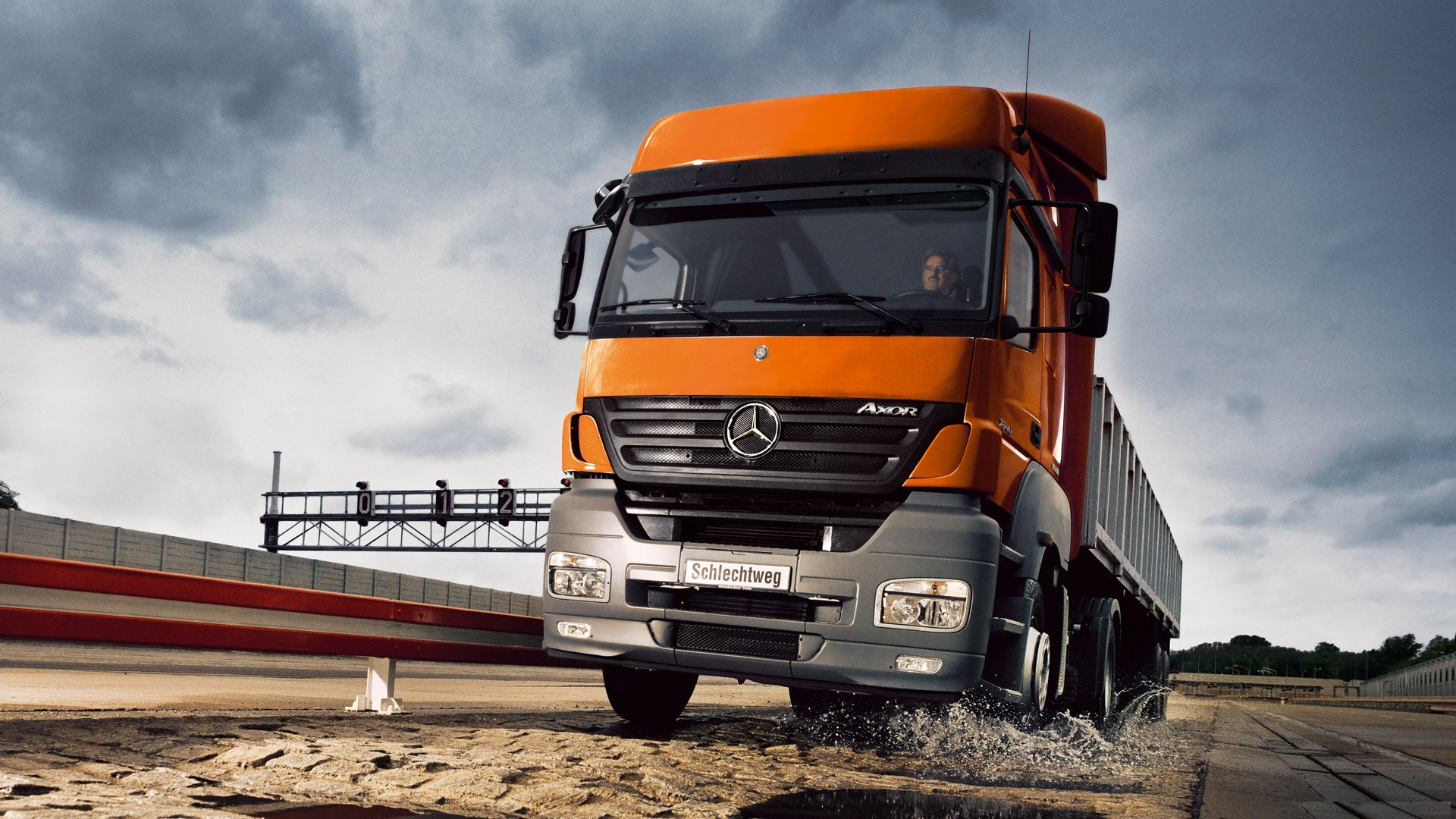 Mercedes benz truck hd wallpapers for 2014 mercedes benz truck