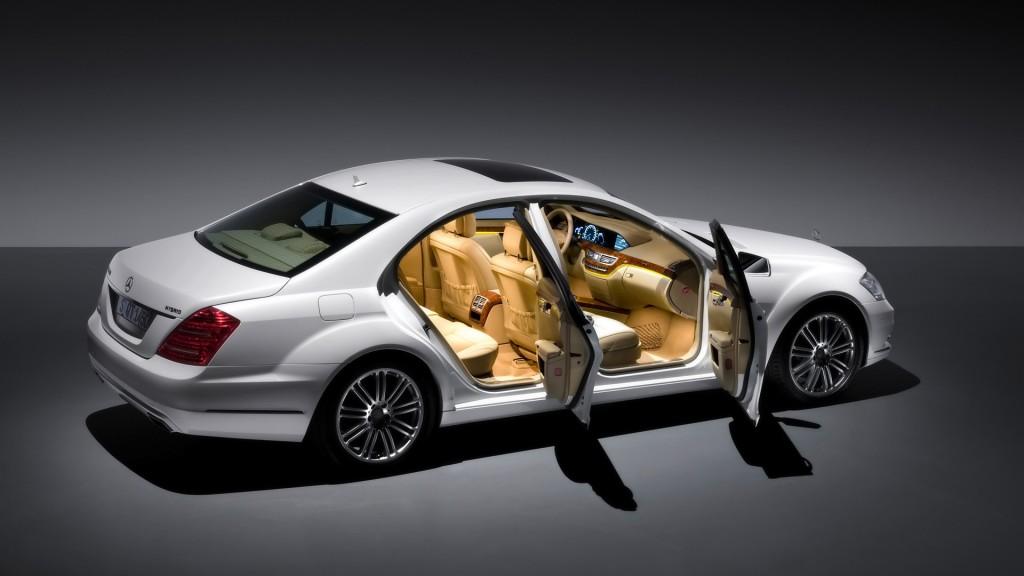 White Mercedes Benz S400 HD Wallpaper
