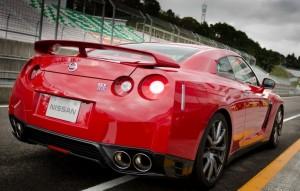 Red 2014 Nissan GTR HD Wallpaper
