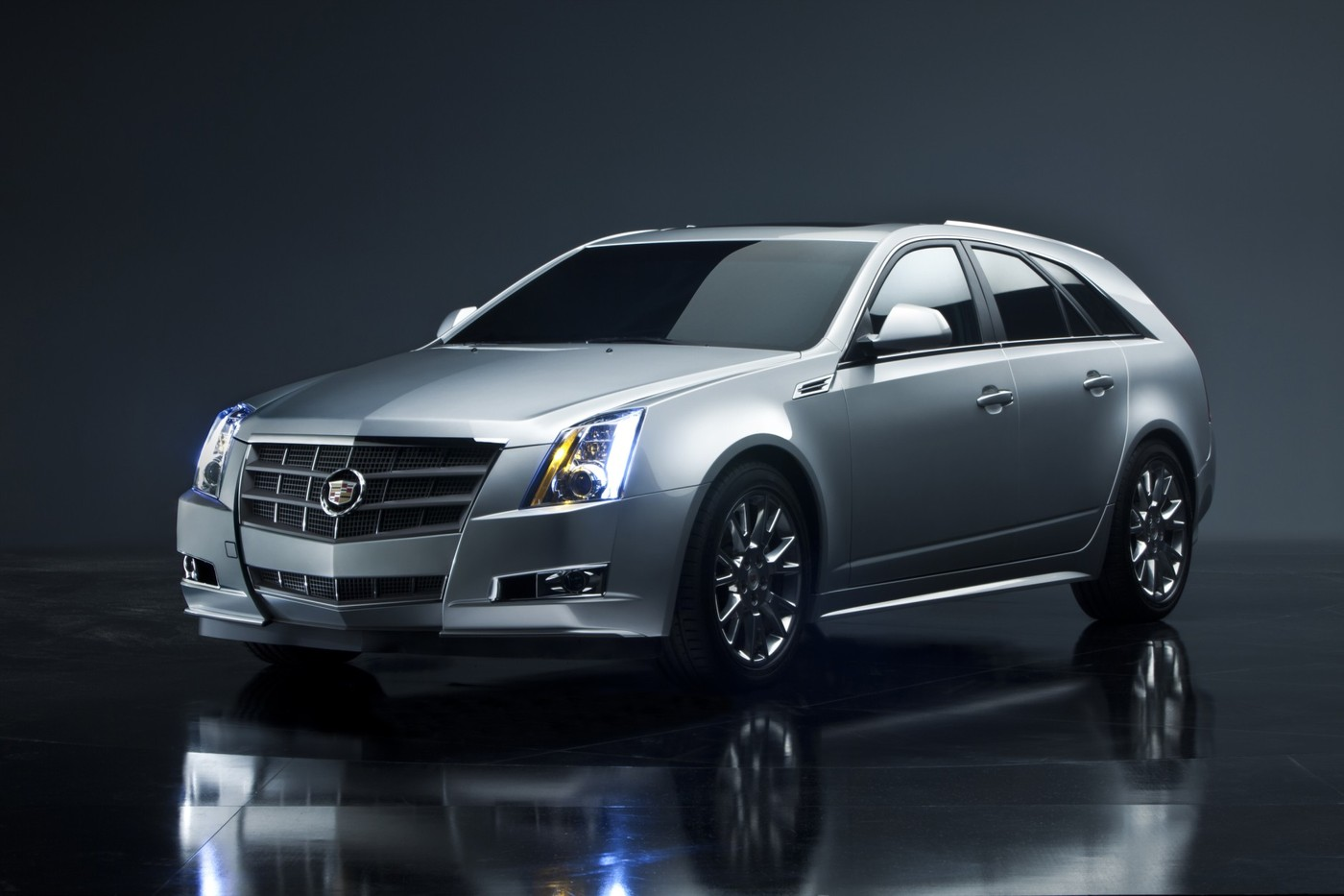 download 2013 Cadillac CTS Sport Wagon