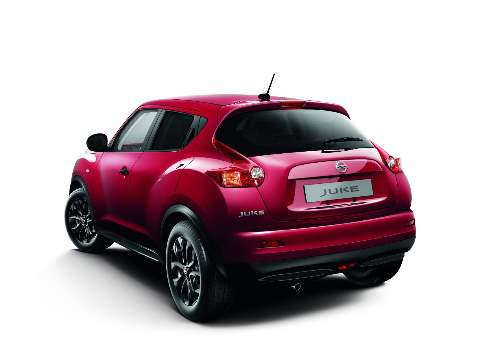 download Nissan Red Color Car-2014