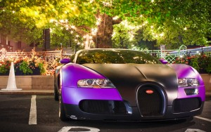 Download Bugatti Veyron On Xmas Hd Wallpaper
