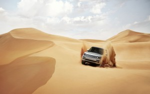 Download Land Rover Desert Sufari Car Hd Wallpaper