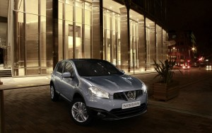 Download Lavishing Nissan Qashqai Hd Wallpaper