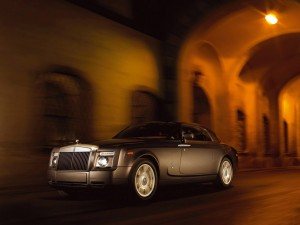 Download Rolls Royce Phantom Move Hd Wallpaper