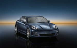 Download Dusky Porsche Panamera 4S HdWallpaper