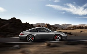 Download Fast Porsche Carrera GTS Hd Wallpaper