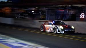 Download Porsche Thrilling Racing Hd Wallpaper