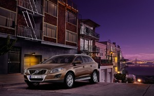 Download Volvo XC60 Car City Visit HdWallpaper