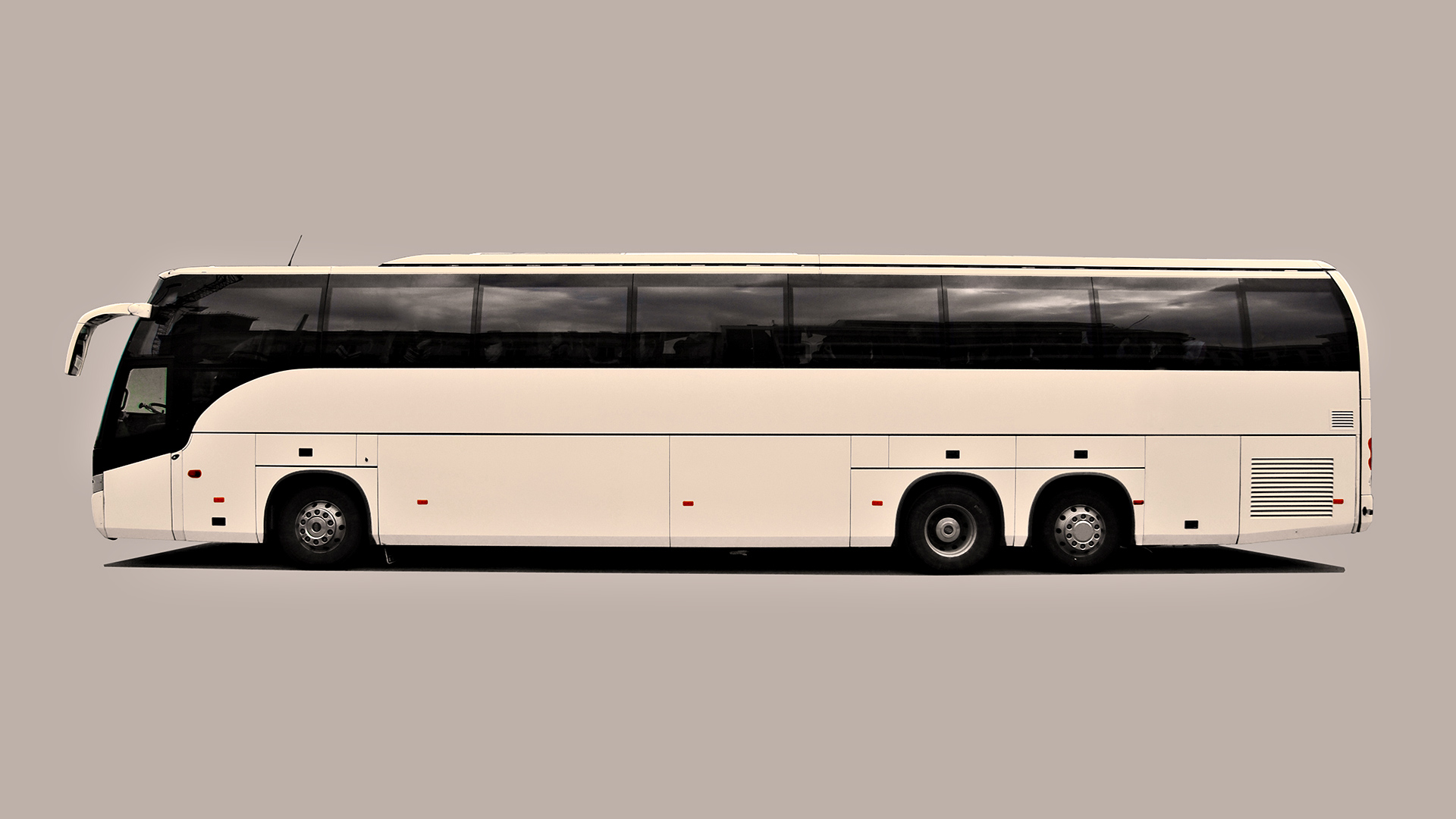 download Latest Buses Wallpapers-2015