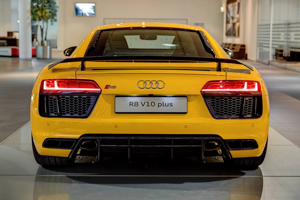 2016 Audi R8 V10 and V10 Plus Cars-3