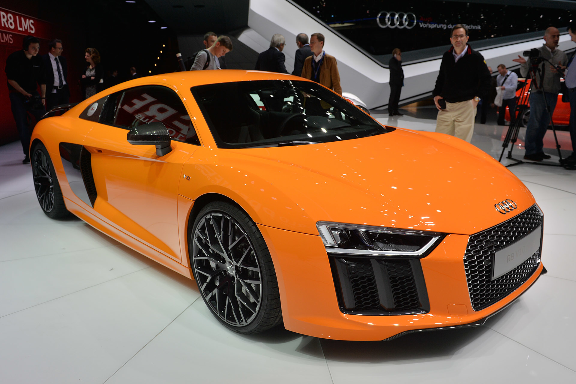 2016 Audi R8 V10 and V10 Plus Cars |