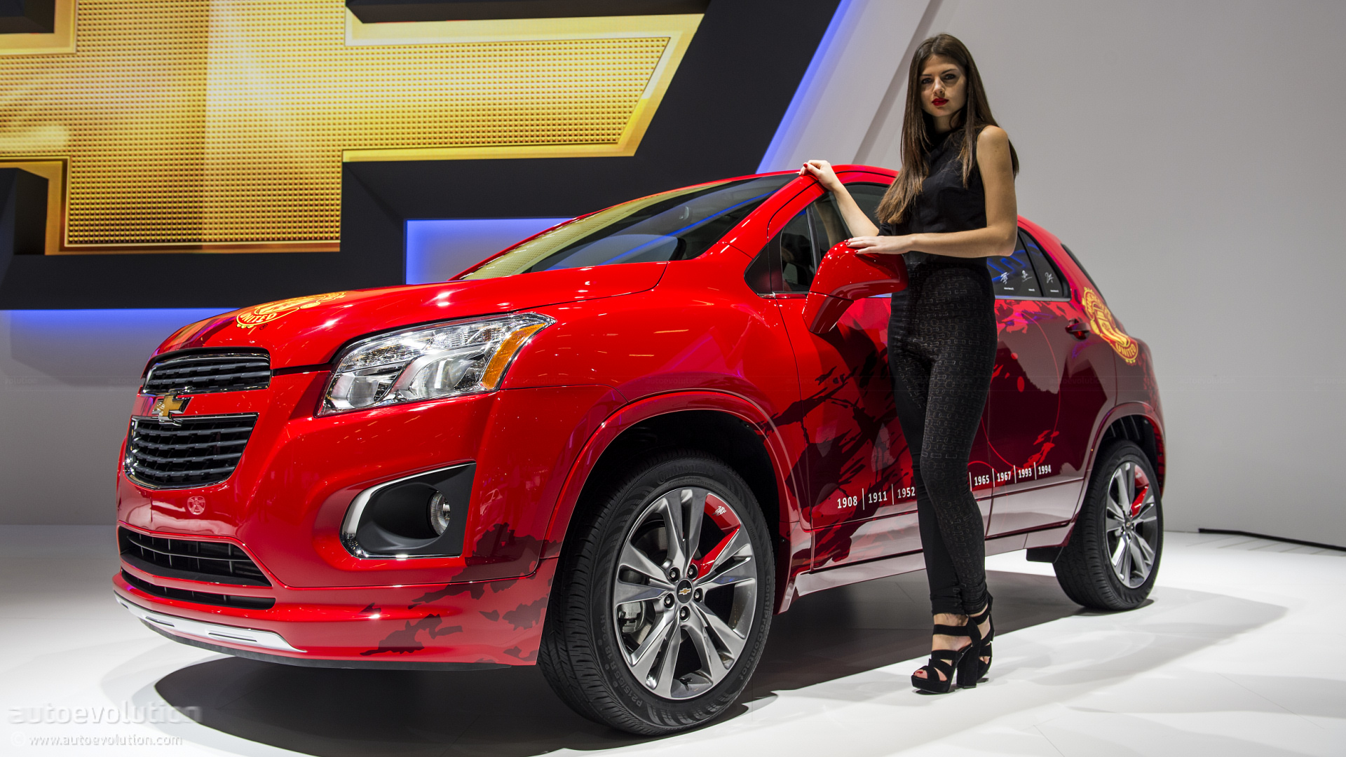 download Chevrolet Trax With Model Car Wallpapers