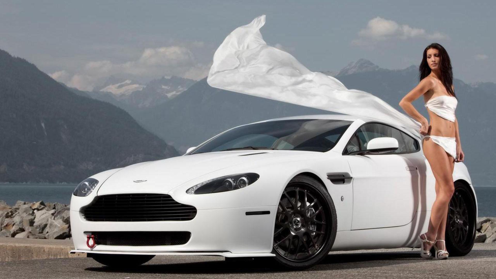 downlaod Nice Looking Car With Model Hd Wallpapers