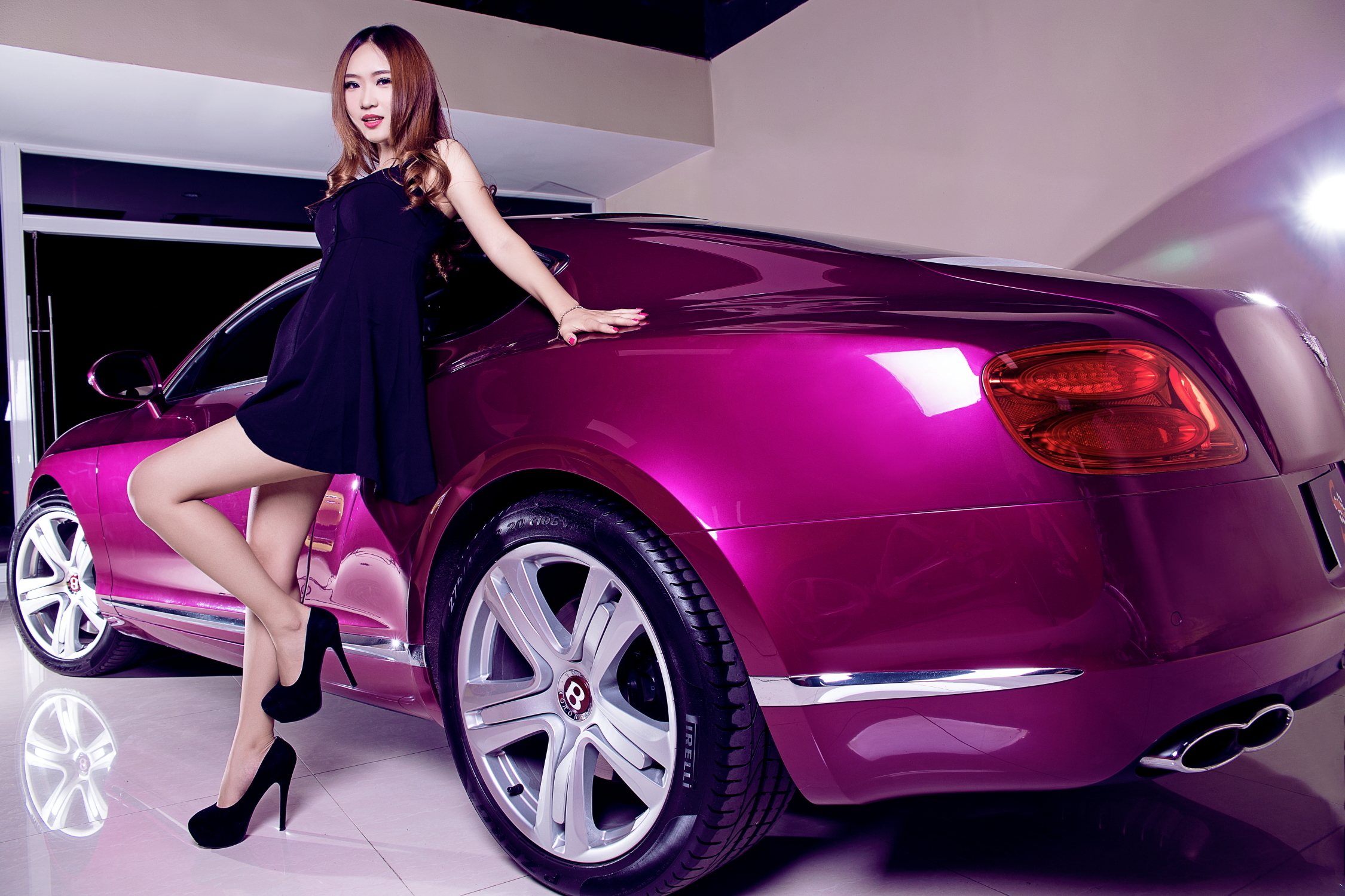 download Car and Cute Girl Wallpapers