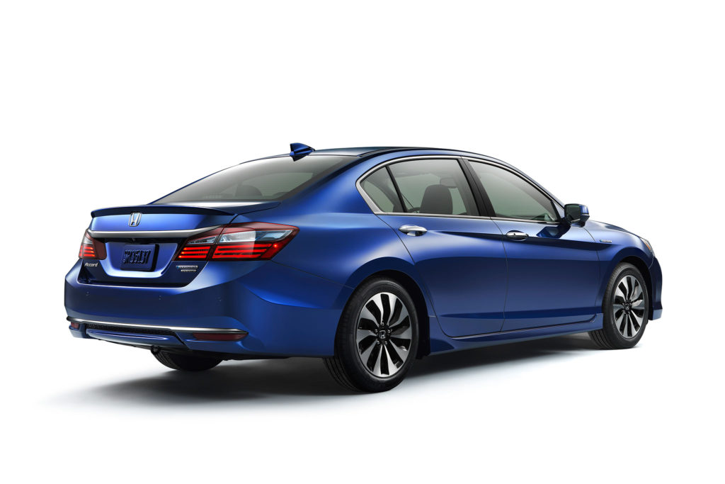 2017-Honda-Accord-Hybrid-rear-view