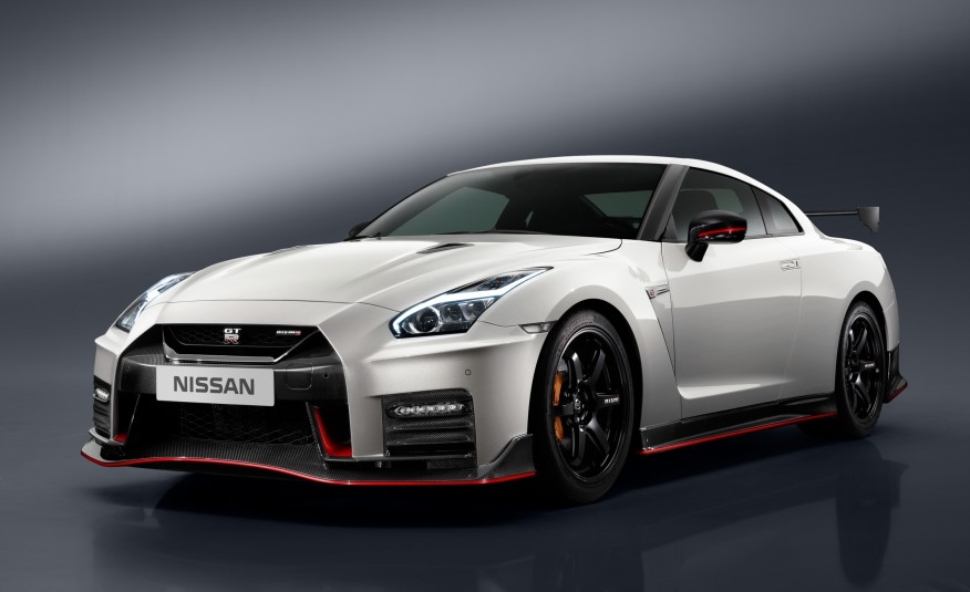 2017-Nissan-GT-R-NISMO-103-876x535-3