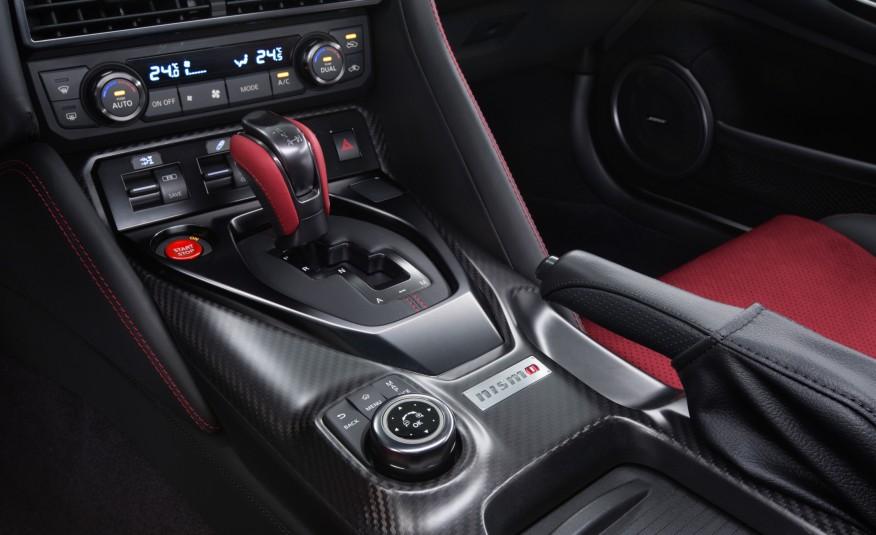 2017-Nissan-GT-R-NISMO-111-876x535-9