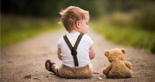 Cute-Boy-&-Bear-HD-wallpaper-2018-image