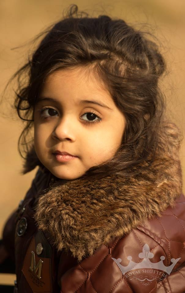 Cute-Images-Winter-Dress-Babies-Pics-Photos