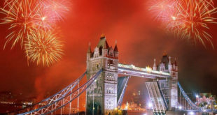 Beautiful-Happy-New-Year-Firework-Clock-Tower-London-Bridge