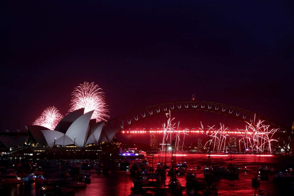 Happy-New-Year-2018-celebrations-sydney-Wallpapers-Download