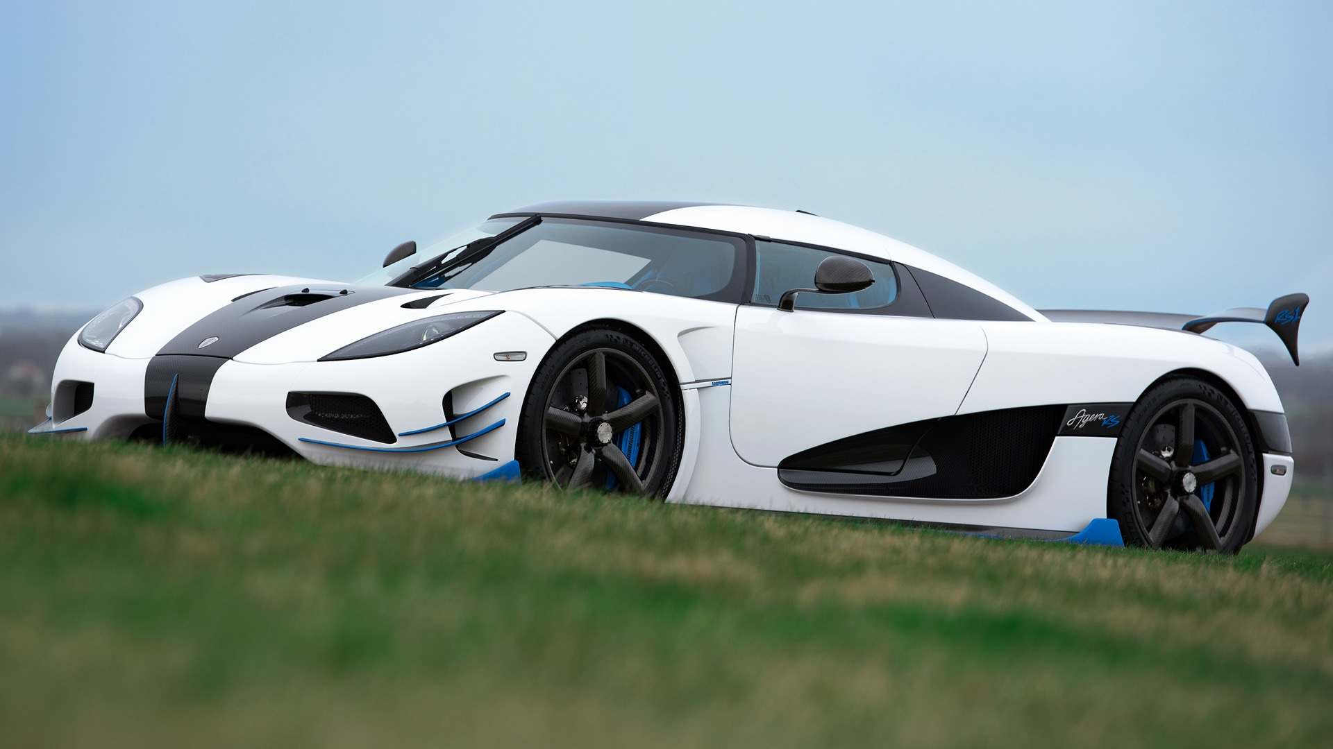 Koenigsegg-Limited-Edition-Car-Wallpaper-Pics-Photos