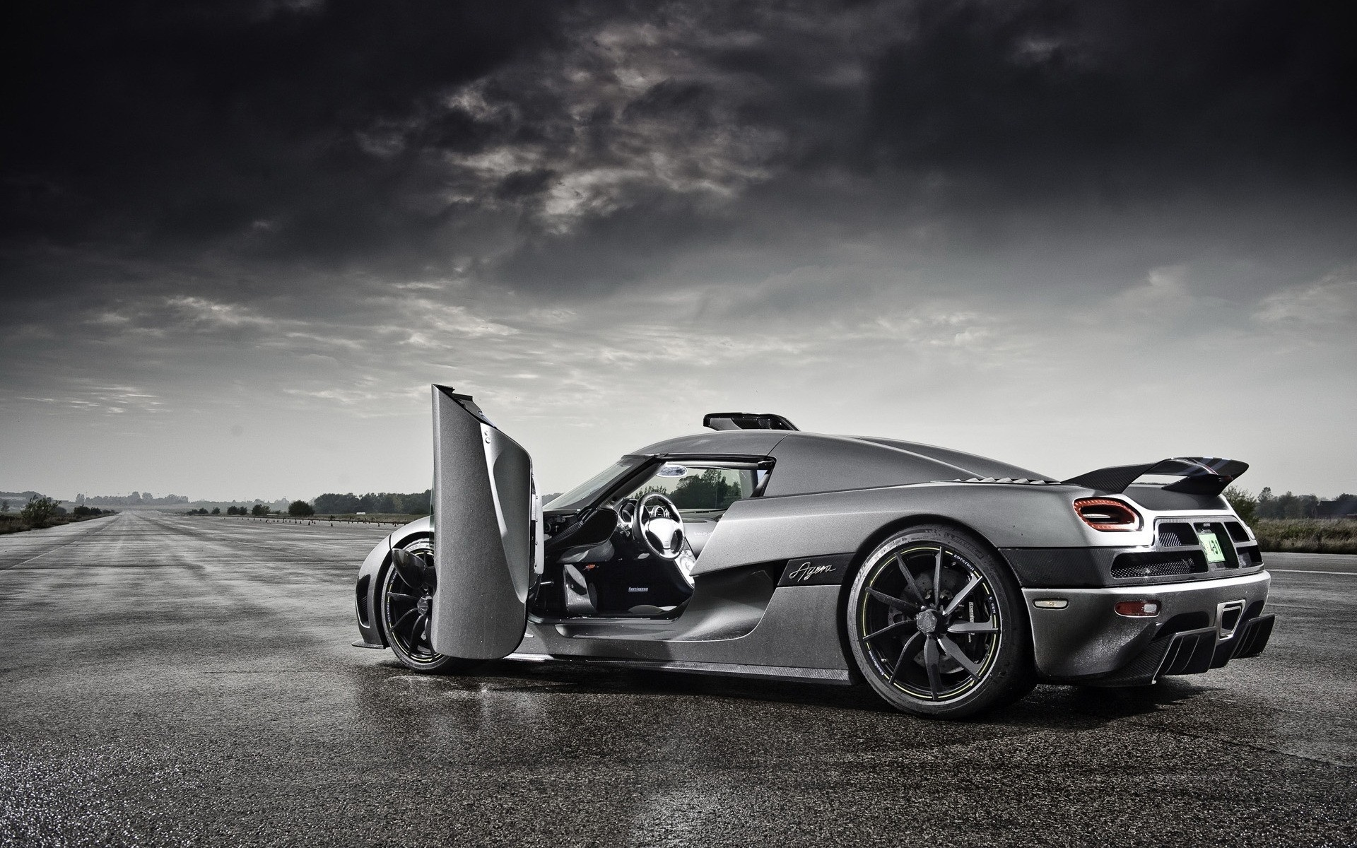 Koenigsegg-Most-Expensive-Car-Hd-Wallpapers-Images