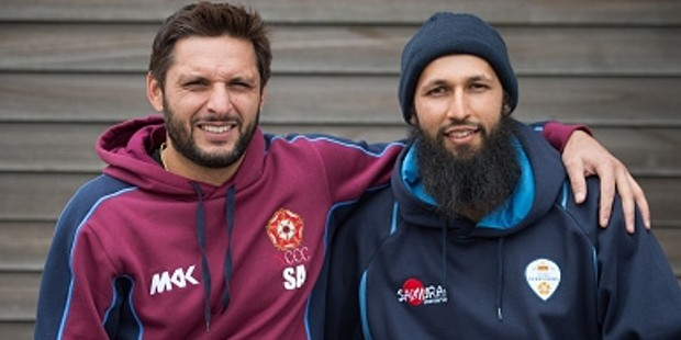 Hashim-Amla-with-Shahid-Afridi-Wallpapers